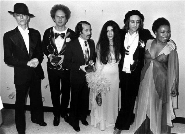 Michael Jackson Paul McCartney David Bowie Art Garfunkel Simon Yoko Ono John Lennon Roberta Flack